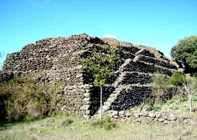 piramide-alcantara